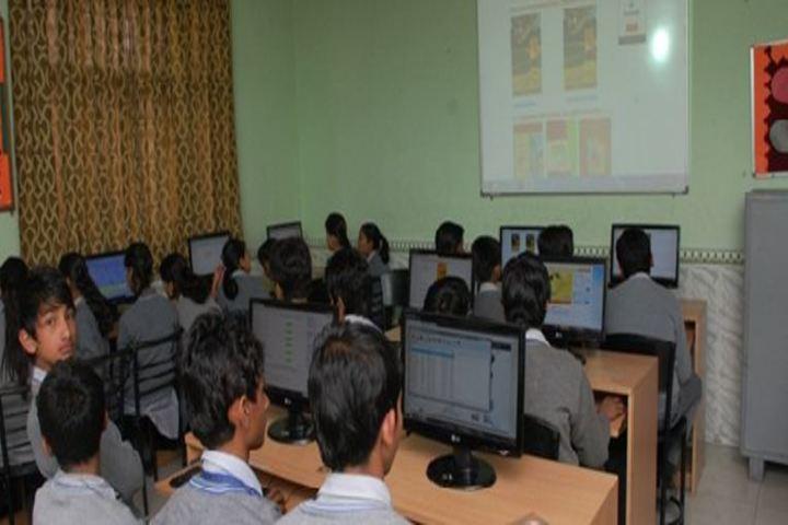 Saraswati Vidya Mandir-Computer Lab