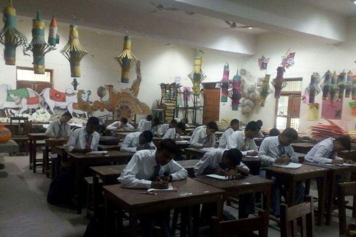 Central Hindu Boys Senior Secondary School-Classroom