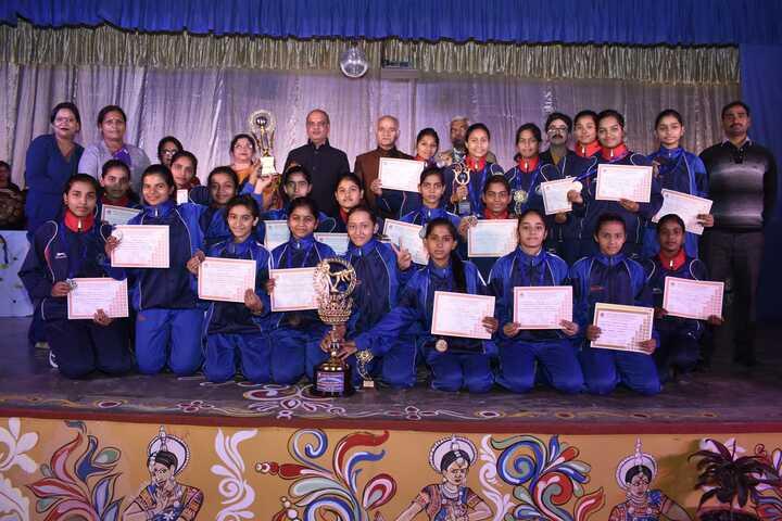 CENTRAL HINDU GIRLS SR SEC SCHOOL-awards