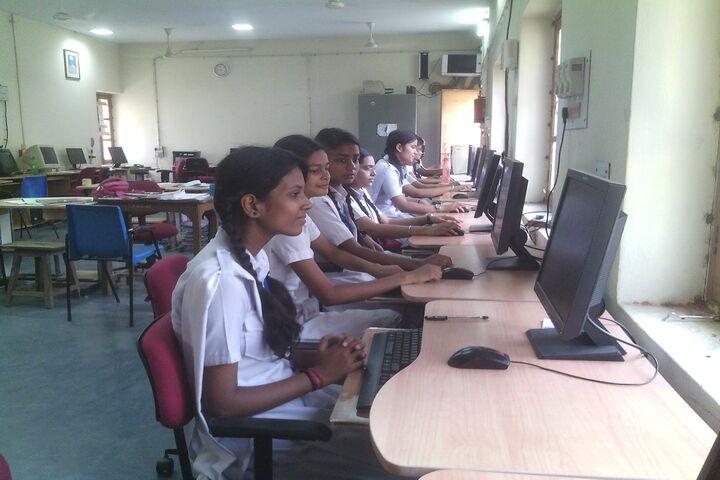 CENTRAL HINDU GIRLS SR SEC SCHOOL-computer lab