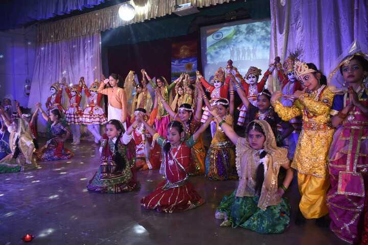 CENTRAL HINDU GIRLS SR SEC SCHOOL-dance