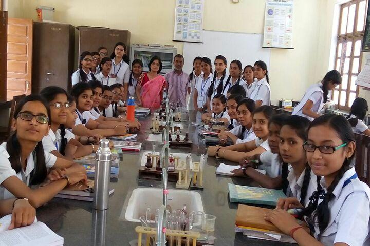 CENTRAL HINDU GIRLS SR SEC SCHOOL-lab
