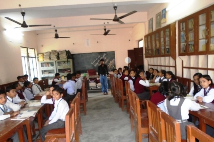 Central Hindhu School-Library
