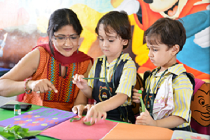 Columbus International School-Arts Room