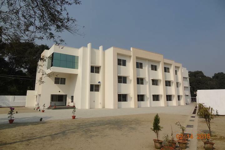 Competent Public School-Campus