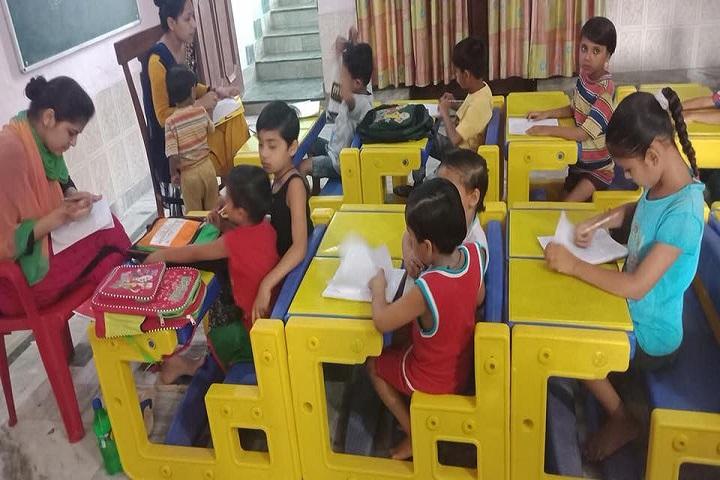 Crescent Convent Senior Secondary School-KG Classroom