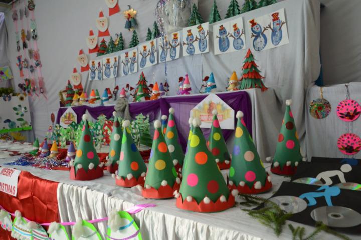 D A V Centenary Public School-Christmas Carnival