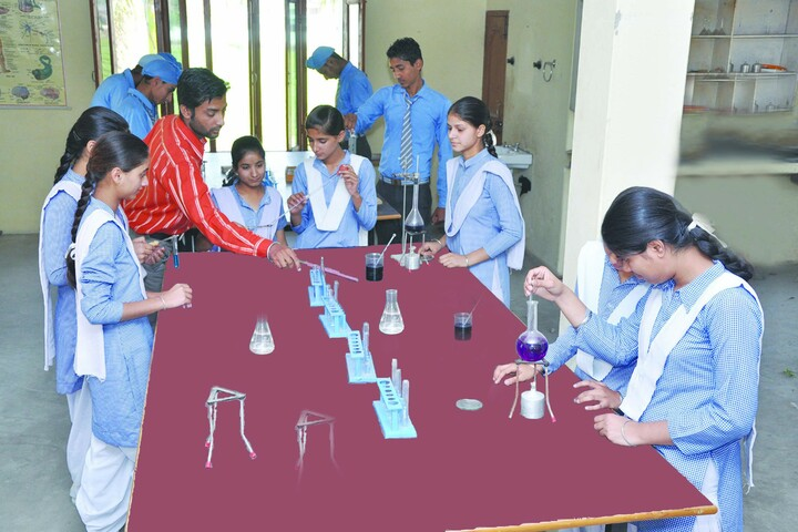 Dashmesh Public School-Chemistry Lab