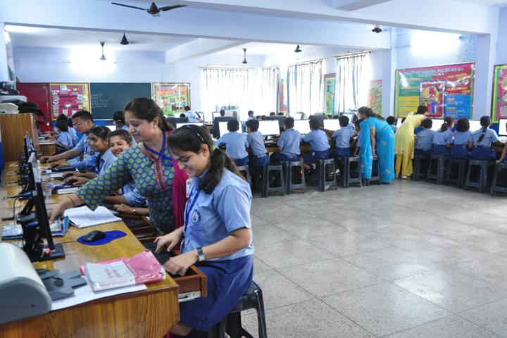 Dehradun Public School-Computer-Lab