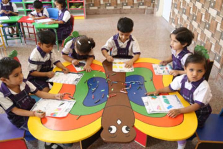 Delhi Global School-Kids activity class