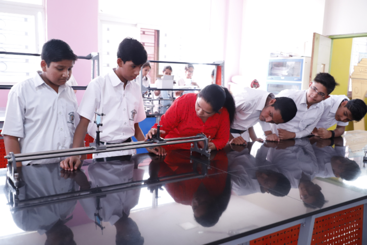 Delhi Public School-Science-Lab