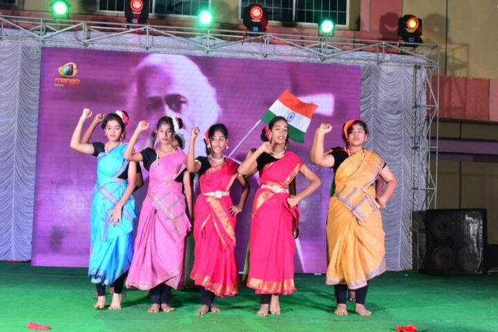 DA Vinci International School-Dance