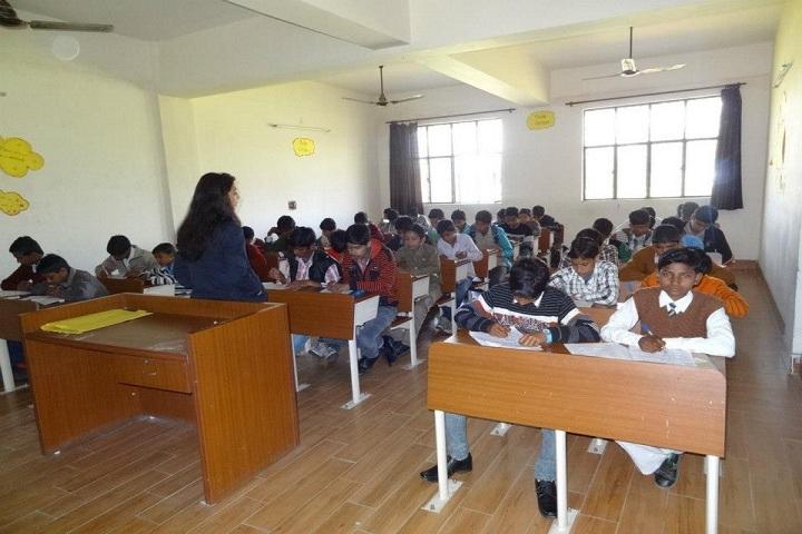 Dellmond International School-Classroom with teacher