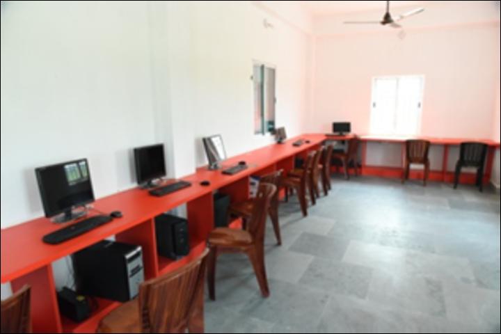 Shanti Niketan Academy-Computer Lab