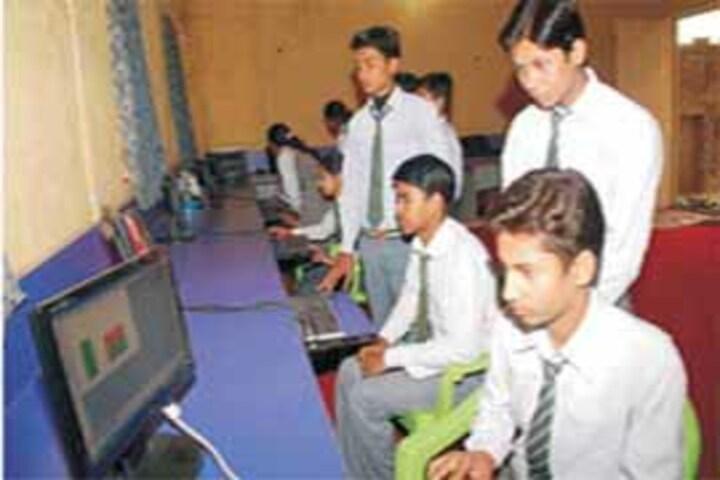 Shanti Niketan Jublliee School-Computer Lab