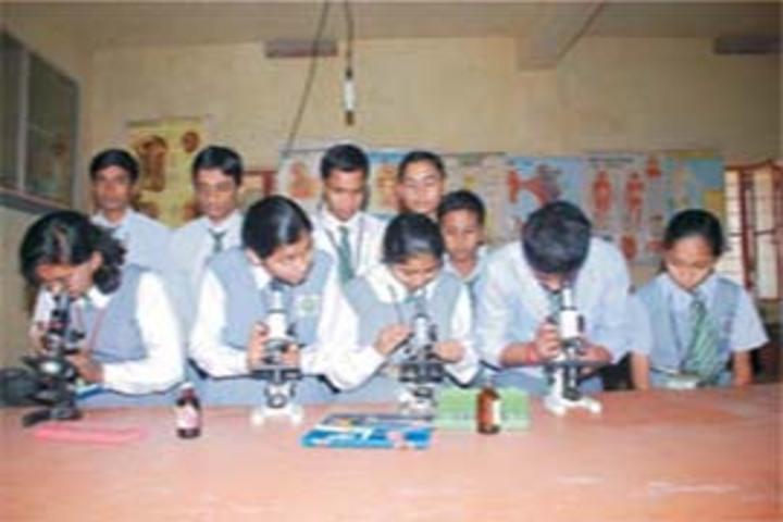 Shanti Niketan Jublliee School-Science Lab