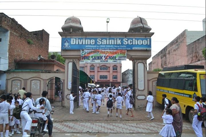 Divine Sainik School-Campus Entrance