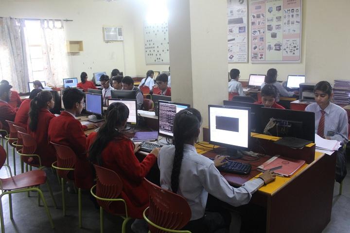 Doon International School-IT-Lab with students