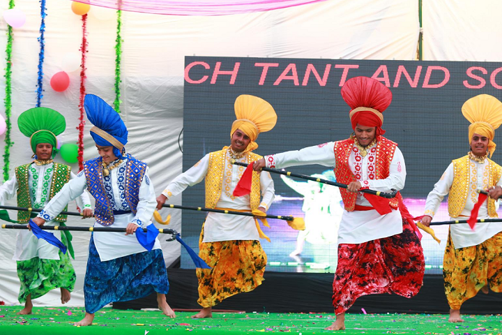Dr Amrit Lal Isharat Memorial Sun-Events dance