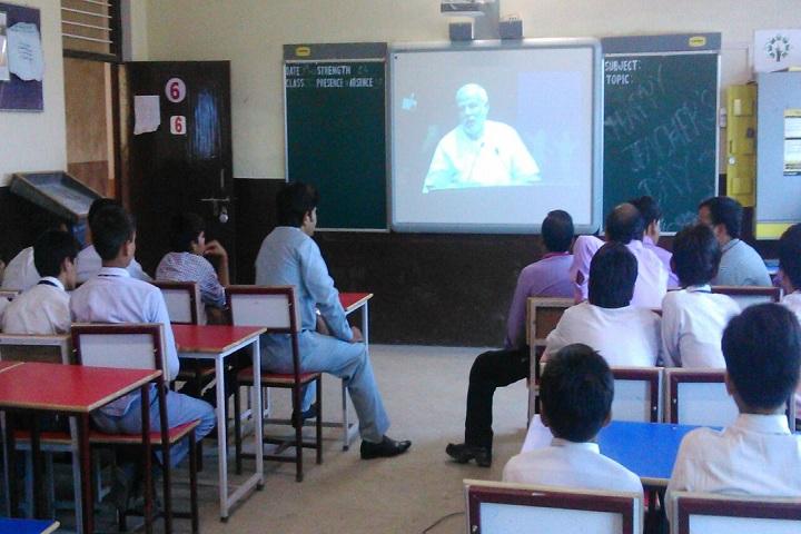 Dr Lokman Das Public School-Classroom