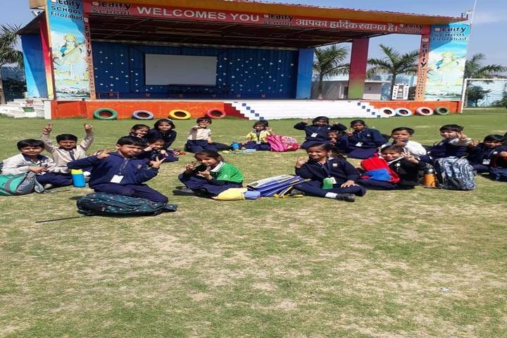 Edify World School Firozabad-School picnic
