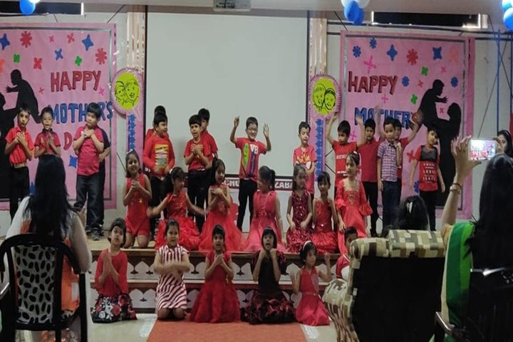 Edify World School Firozabad-Teachers day celebrations by preprimary school children