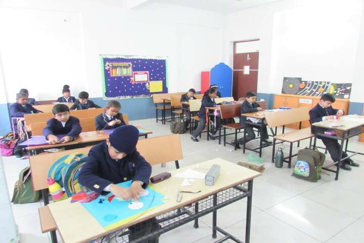 Excellia School-Kite flying decoration competition
