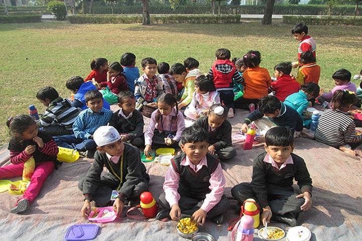 Fertilizer Public School-Class Picnic
