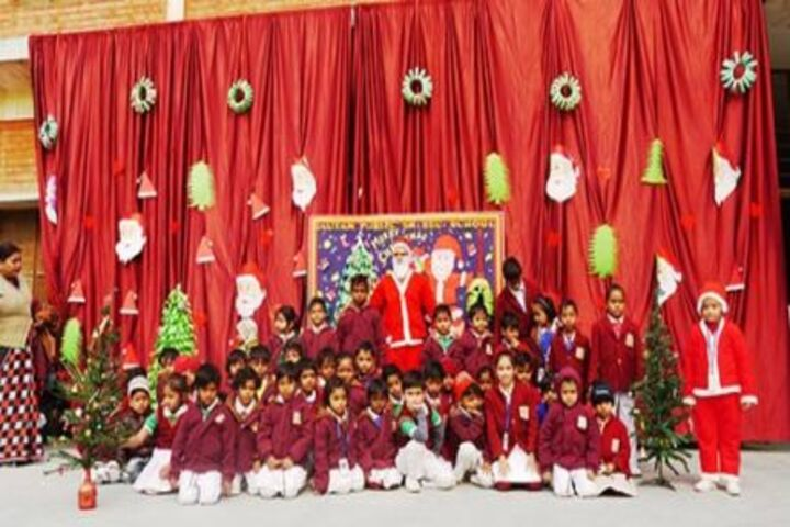 Gautam Public School-Christmas Celebrations