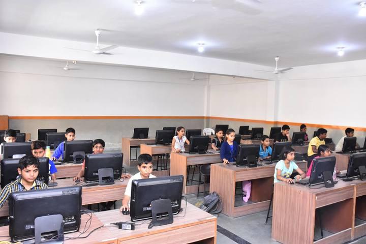 Gayatri Public School-Computer Lab