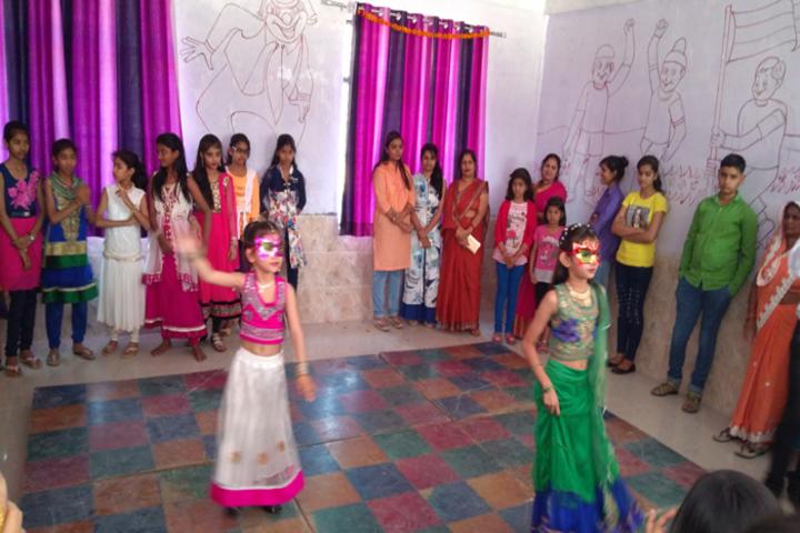 Genius Public School-Dance