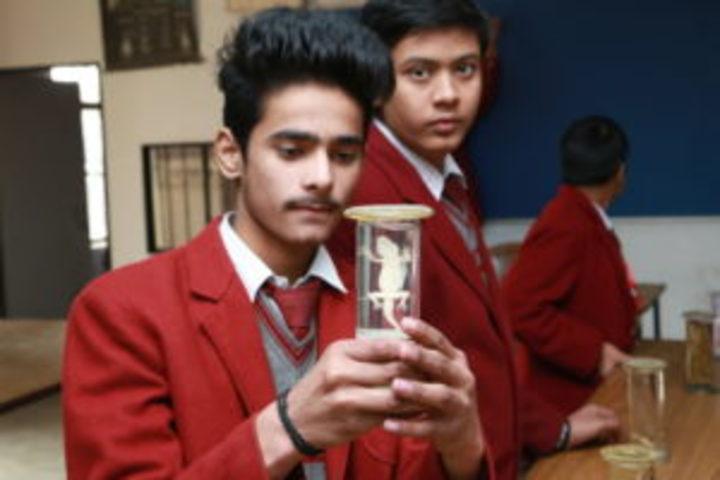 Ghaziabad Public School-Biology Lab