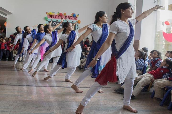 Greater Noida World School-Dance