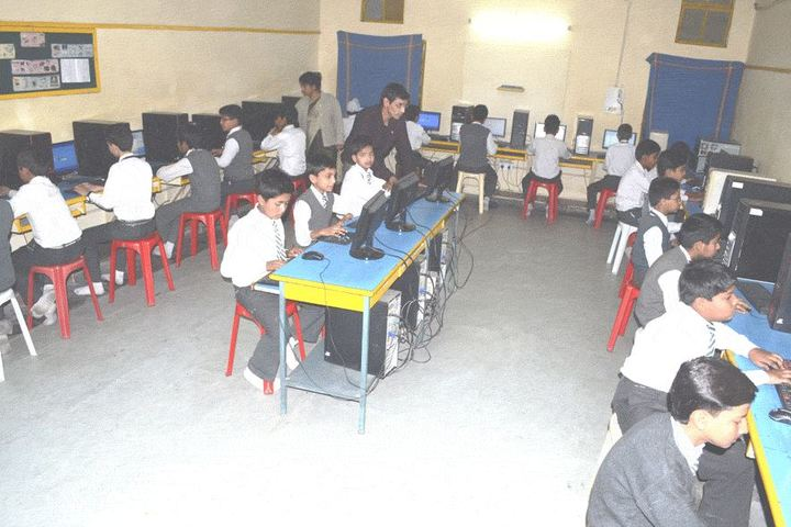 Greenwood Senior Secondary School-IT-Lab