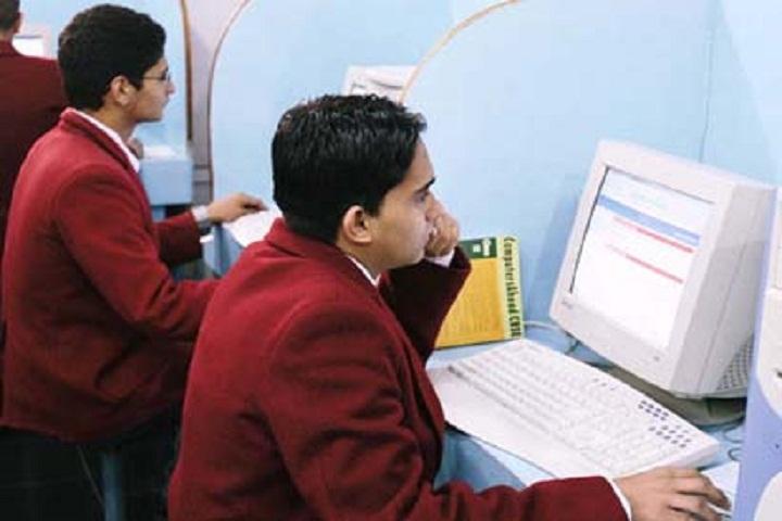 Guru Nanak Convent Senior Secondary School-IT-Lab