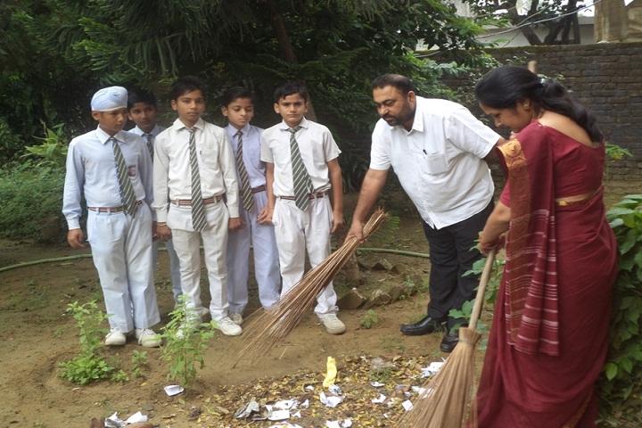 Guru Nanak Convent Senior Secondary School-Swachh Bharat