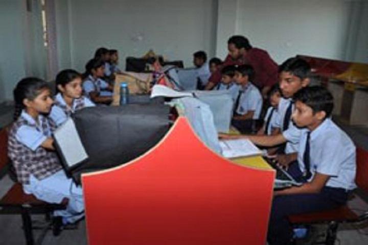 H R International School-IT-Lab