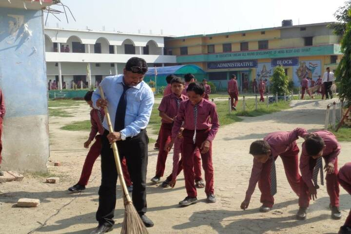 Smart Move Academy-Cleanliness Drive