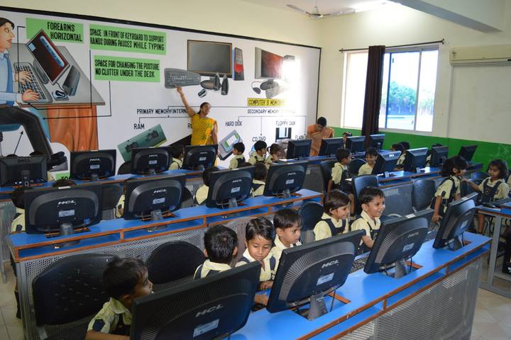 Indus Valley Public School-Computer Lab