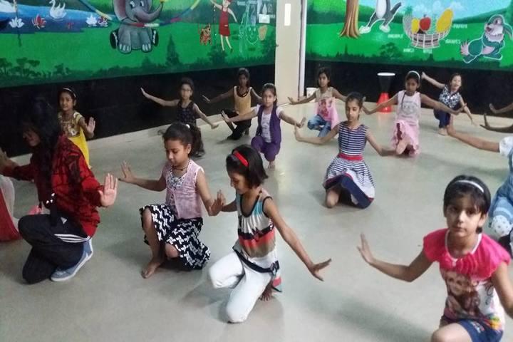 Ivey International School-Dance Room