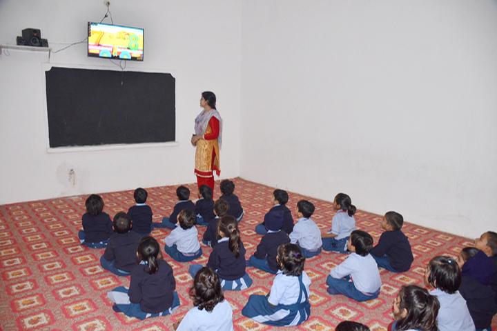 Jai Gurudev Raj Public School-Smart-Classroom