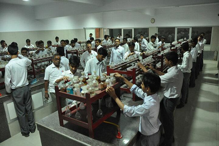 Jai Narayan Vidya Mandir-Chemistry Lab