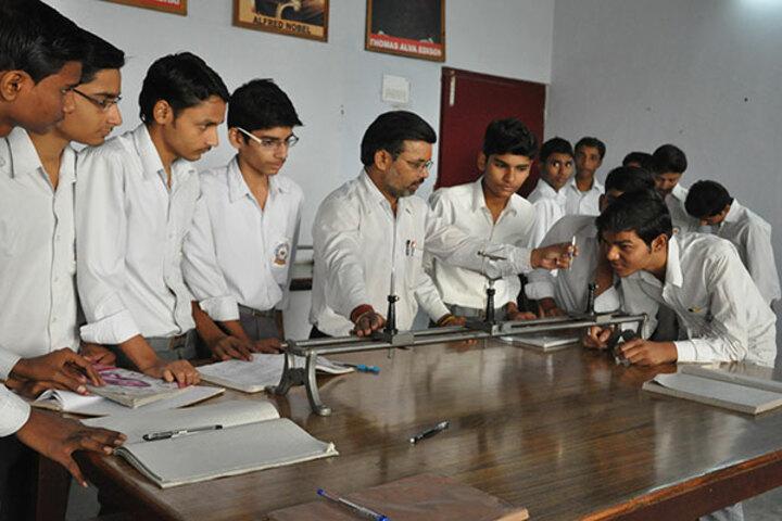 Jai Narayan Vidya Mandir-Physics Lab
