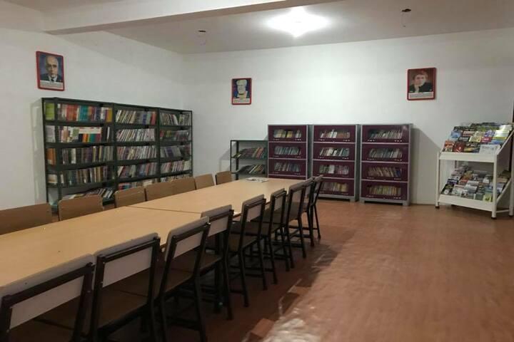 Jaish Public School-Library
