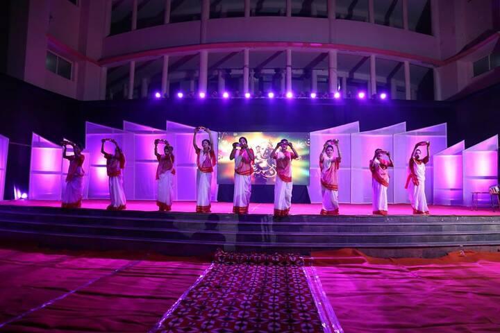 K.N.International School-Dance