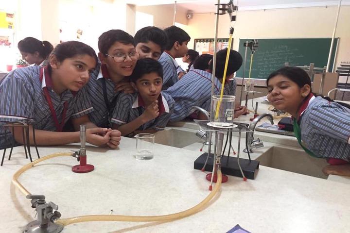 K.R.Mangalam World School-Science Lab