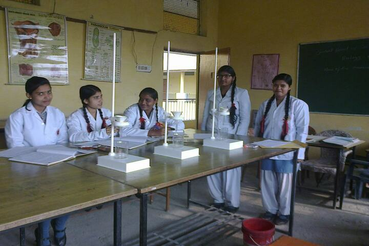 Kanpur Public School-Biology Lab