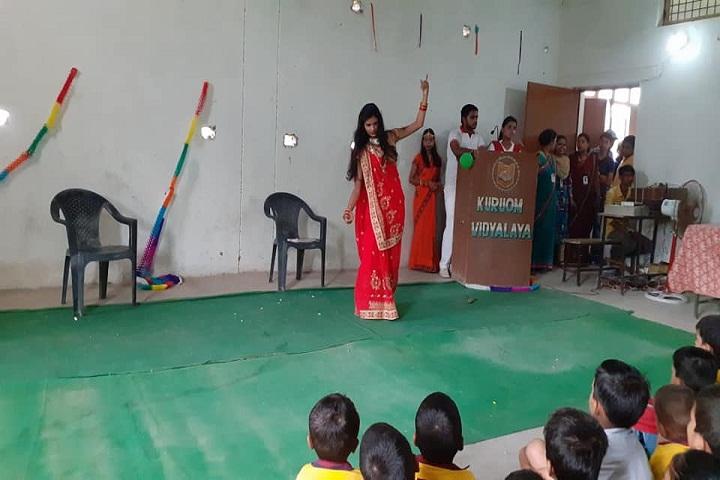 Kuru Om Vidyalaya-Dance