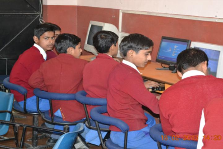 Kusum Pulic School-Computer Lab