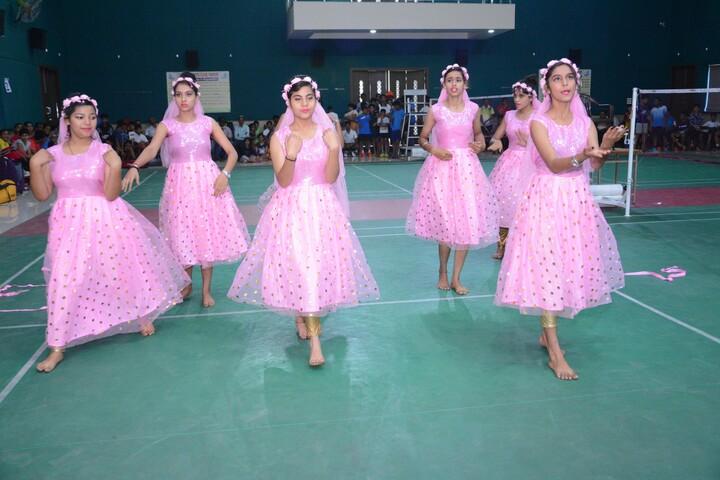 L N Public School-Dance
